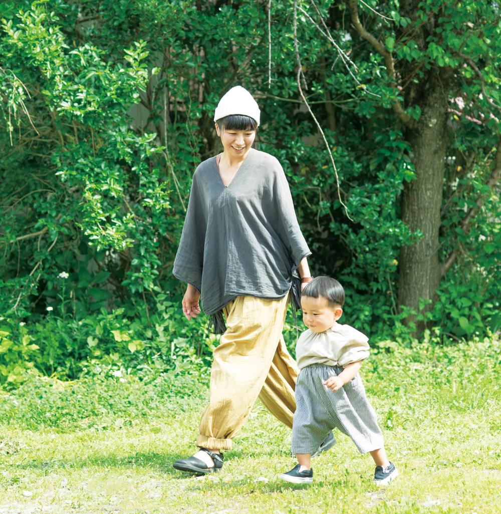 岩田朝美さん  禄太郎くん、夫と3人暮らし。『生活クラブふくしま』のあいづ支部委員として、積極的に活動中「早寝早起き、外でたくさん遊ばせること、風邪をひいたらなるべく食事でゆっくり回復させること」が岩田さんの子育てのモットー