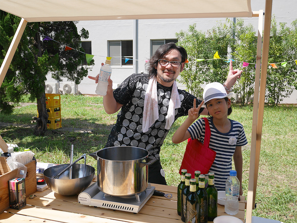 「調布企画組」主催者長尾さん。彼の角煮は絶品!彼は後に「角煮は期待を裏切らない」という名言を後世に残したと言う・・・