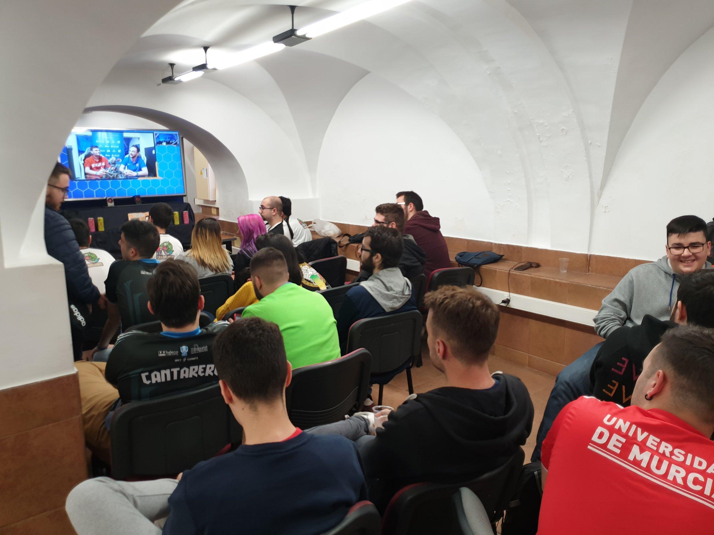 Foto: Javier Amorós García - En la foto: Zona para espectadores completa, habilitada para la visualización del torneo con capacidad para 50 butacas.