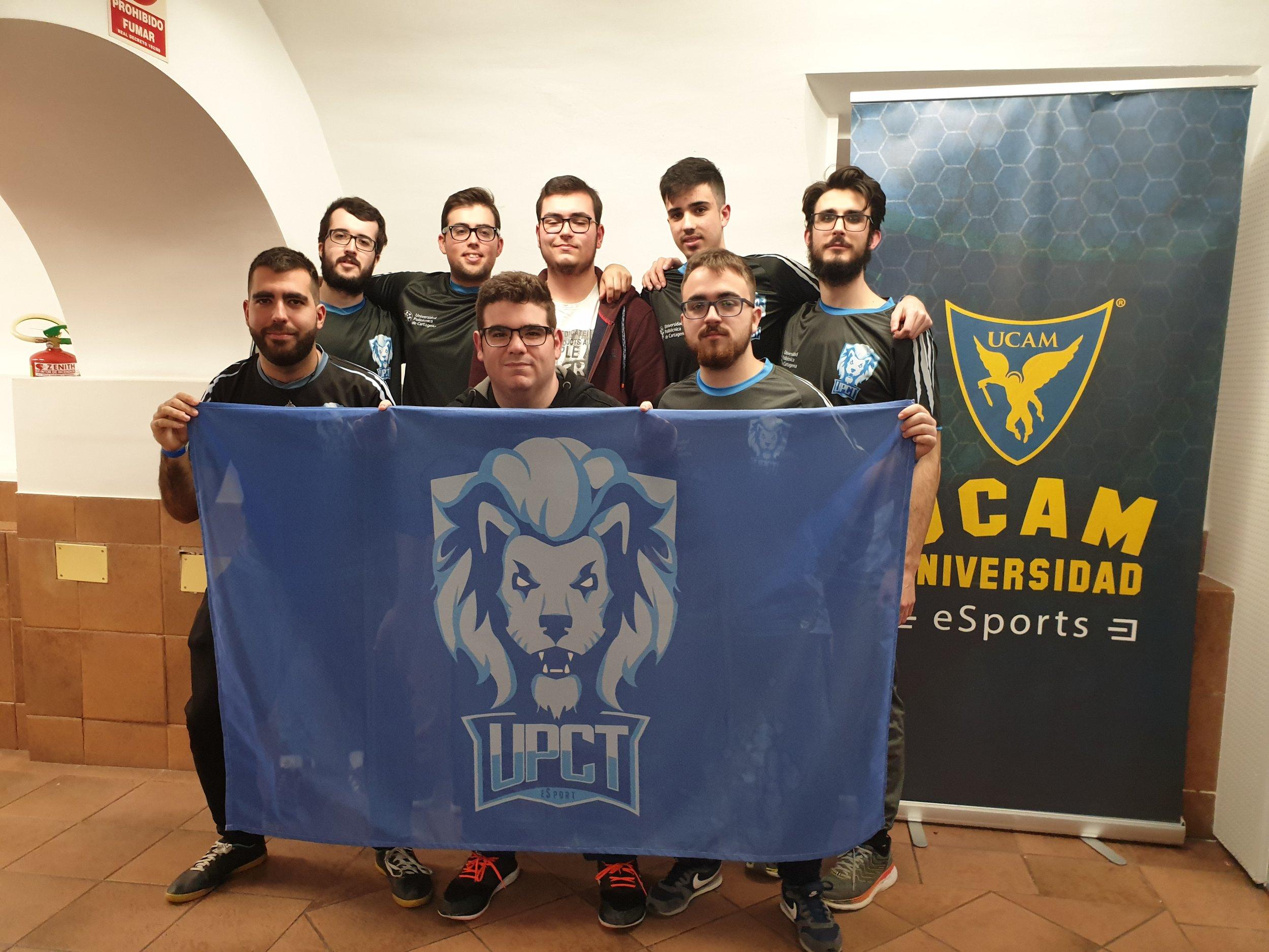 """Fotografía: Javier Amorós García - En la foto: El equipo de UPCT """"LIONS"""" posando con todos sus integrantes."""