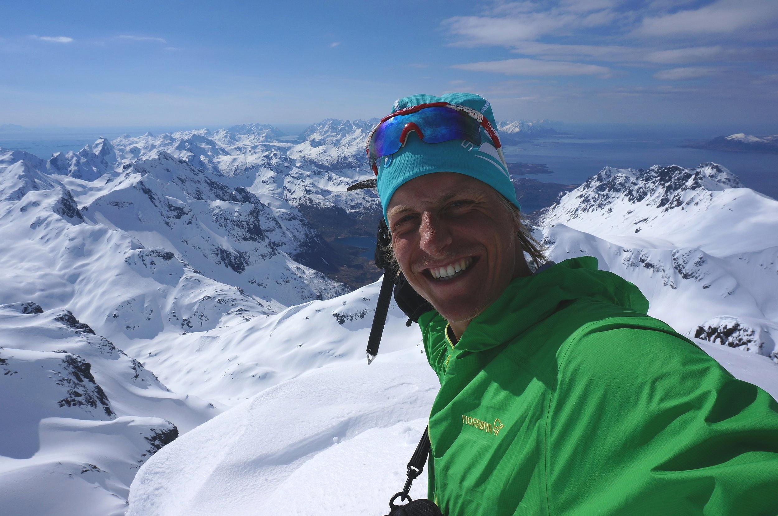"""Gjermund  jobber til daglig som fjellguide og forfatter av turboka """"Toppturer i Jotunheimen"""". Boka vil inneholde turbeskrivelser til de flotteste toppturene på ski i hele Jotunheimen, og skal lanseres høsten 2019 i samarbeid med Fri Flyt forlag."""