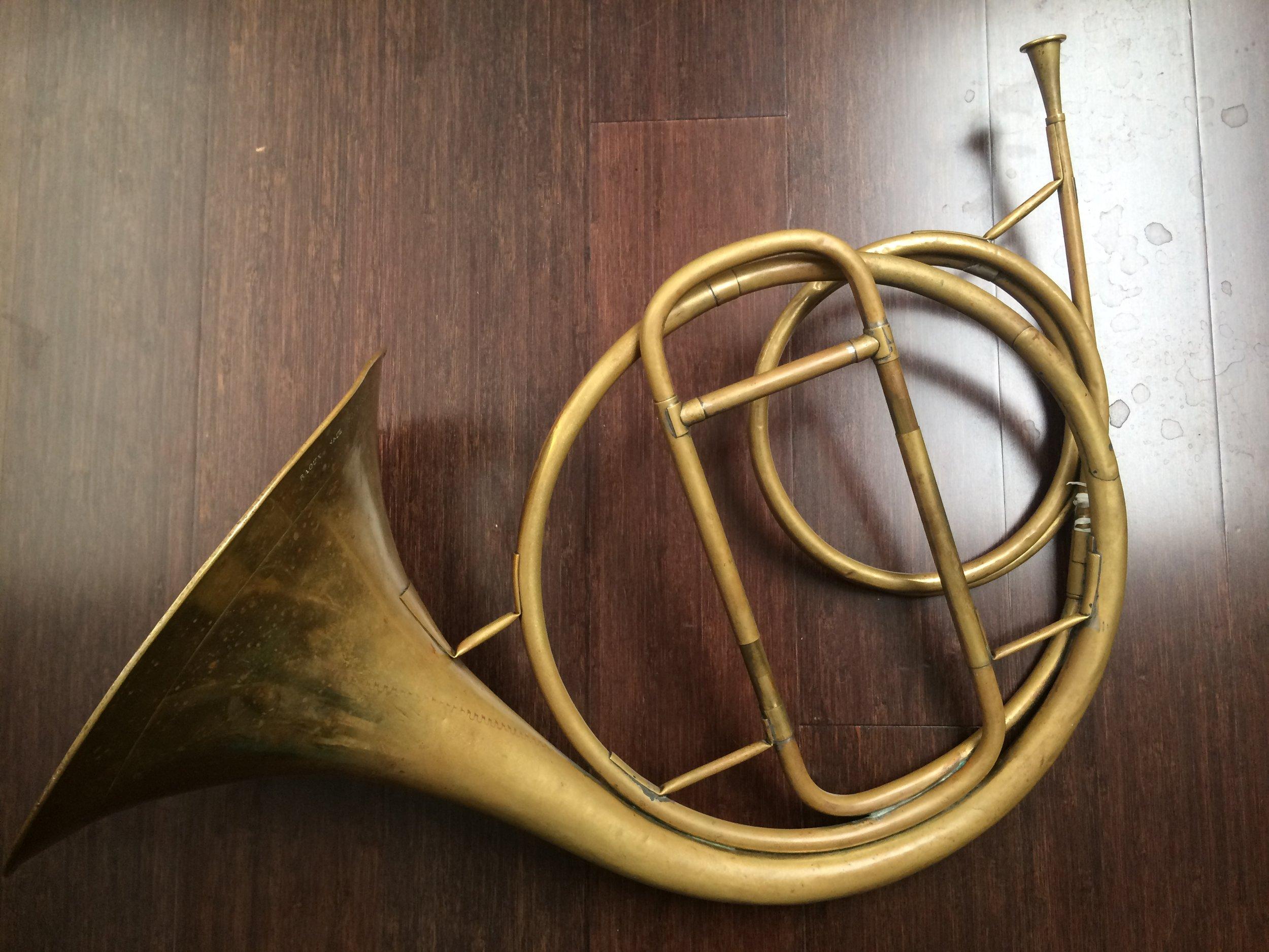 Marcel Auguste Raoux (1795–1871) classical natural horn ( cor d'orchestre) c. 1820.