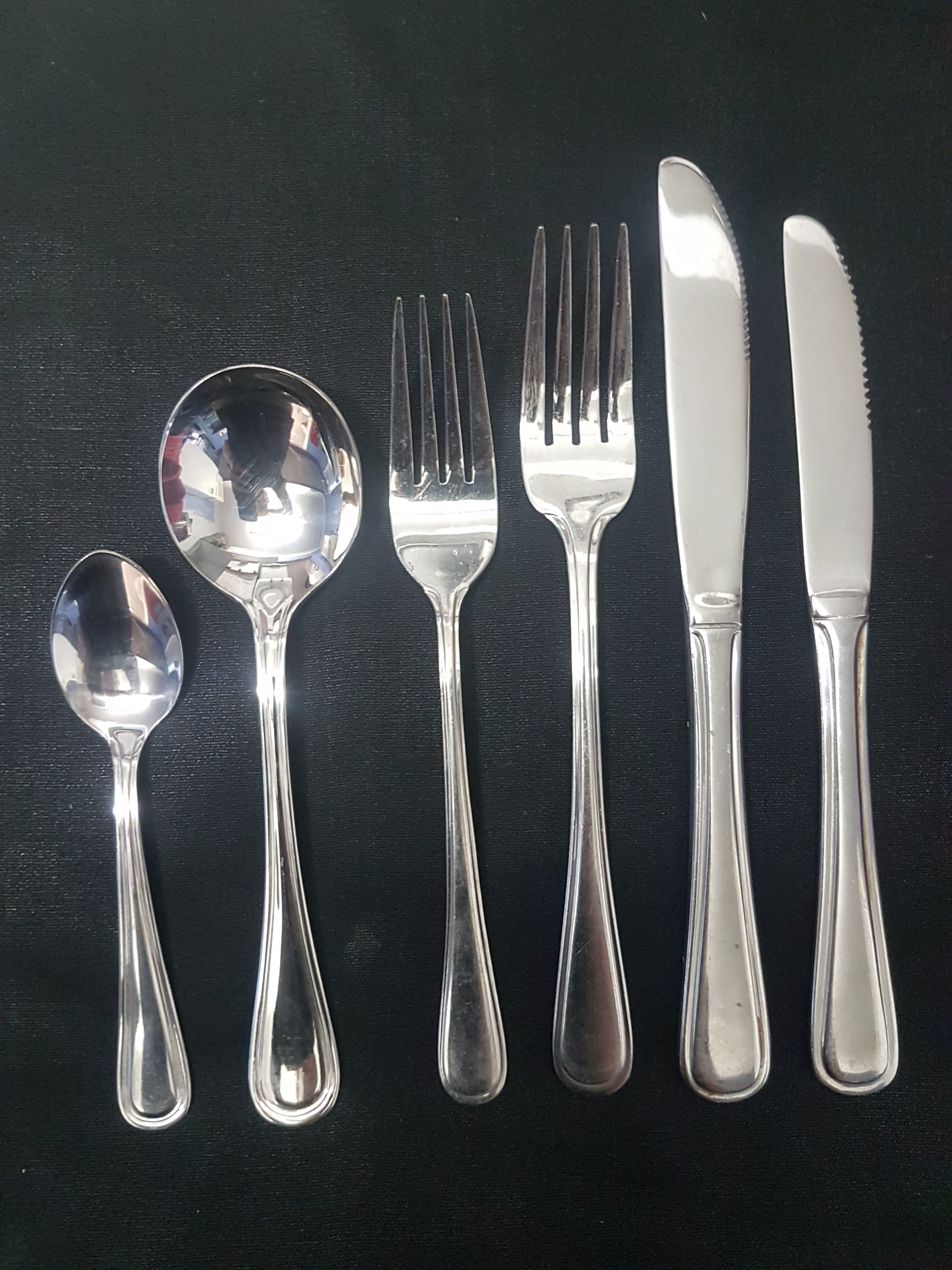 stainless steel cutlery - Rounded edge stainless steel cutleryTeaspoon .39cSoup Spoon .44cEntree Fork .44cDinner Fork .44cDinner Knife .44cEntree Knife .44c