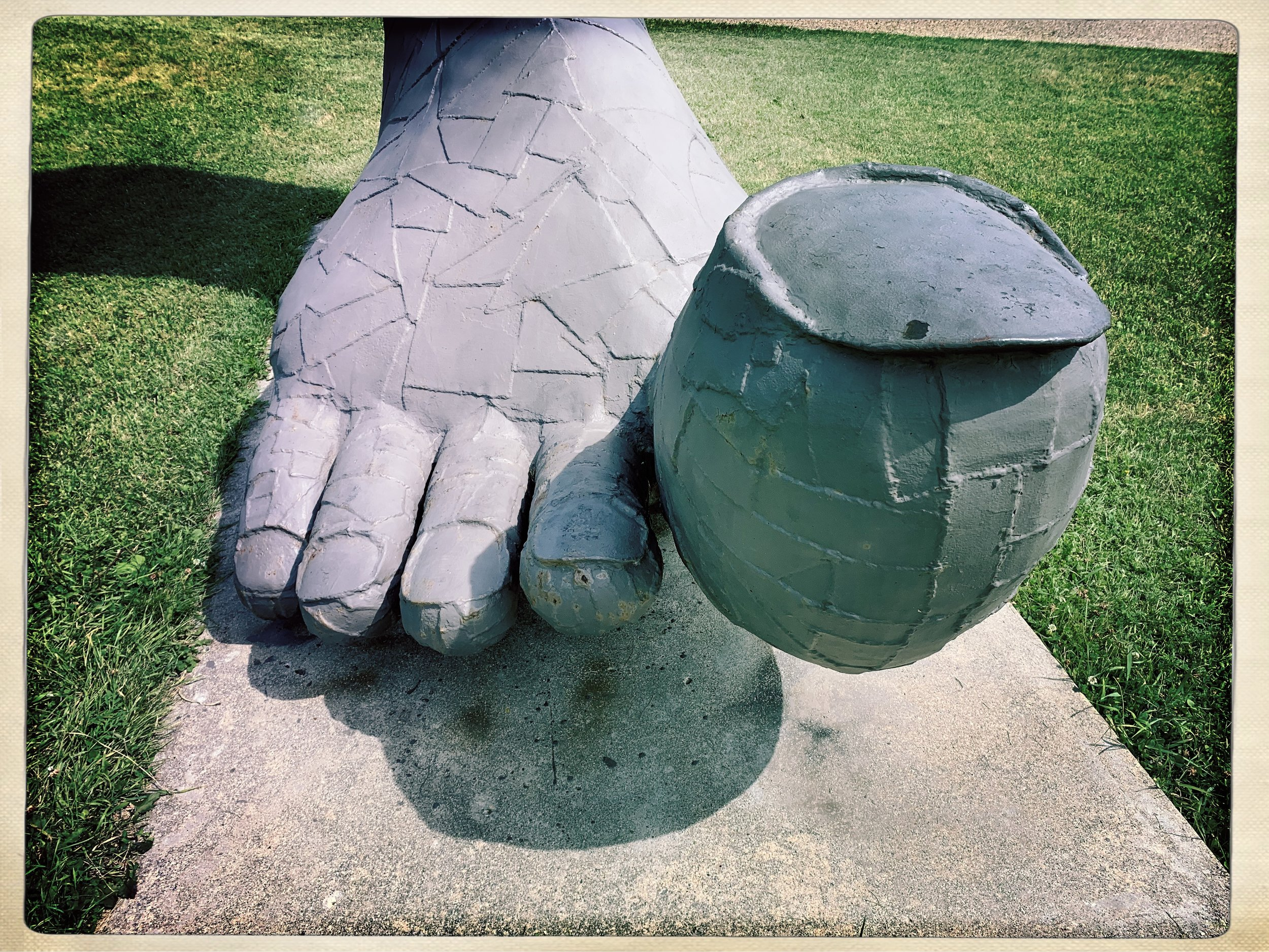 Big Foot sculpture by Ken Nyberg in Vining, Minnesota