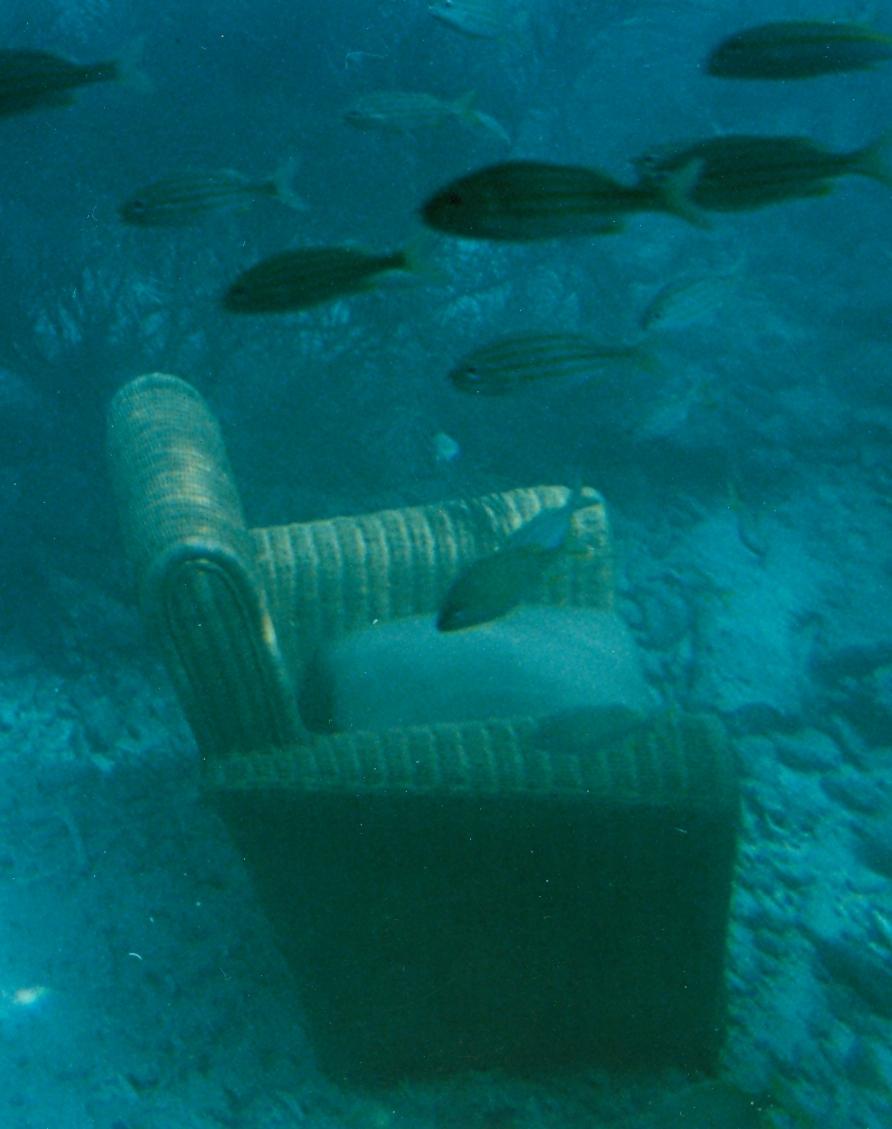stoel onder water.jpg