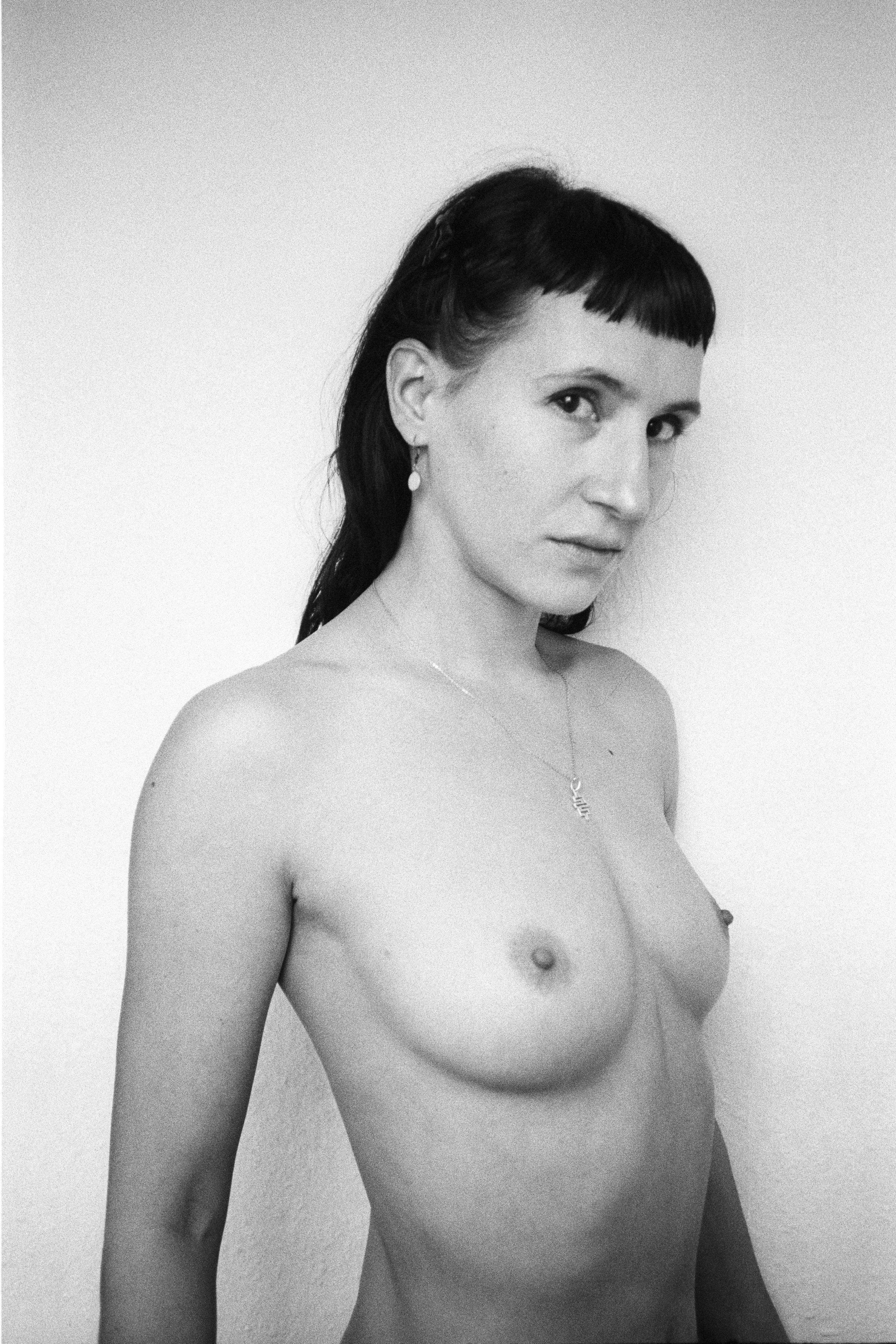 Portrait Laure V1.jpg