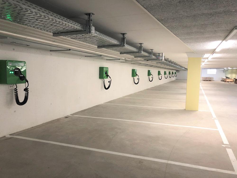 Ladeinfrastruktur in Tiefgarage - 10 Ladestationen wallbe Pro Plus, realisiert mit unserem Partner Invisia.Inbetriebnahme: Februar 2019