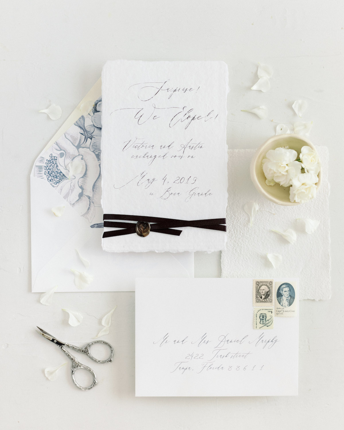 stationery by:  @doylepaperco   styling by: @hunterryanphoto