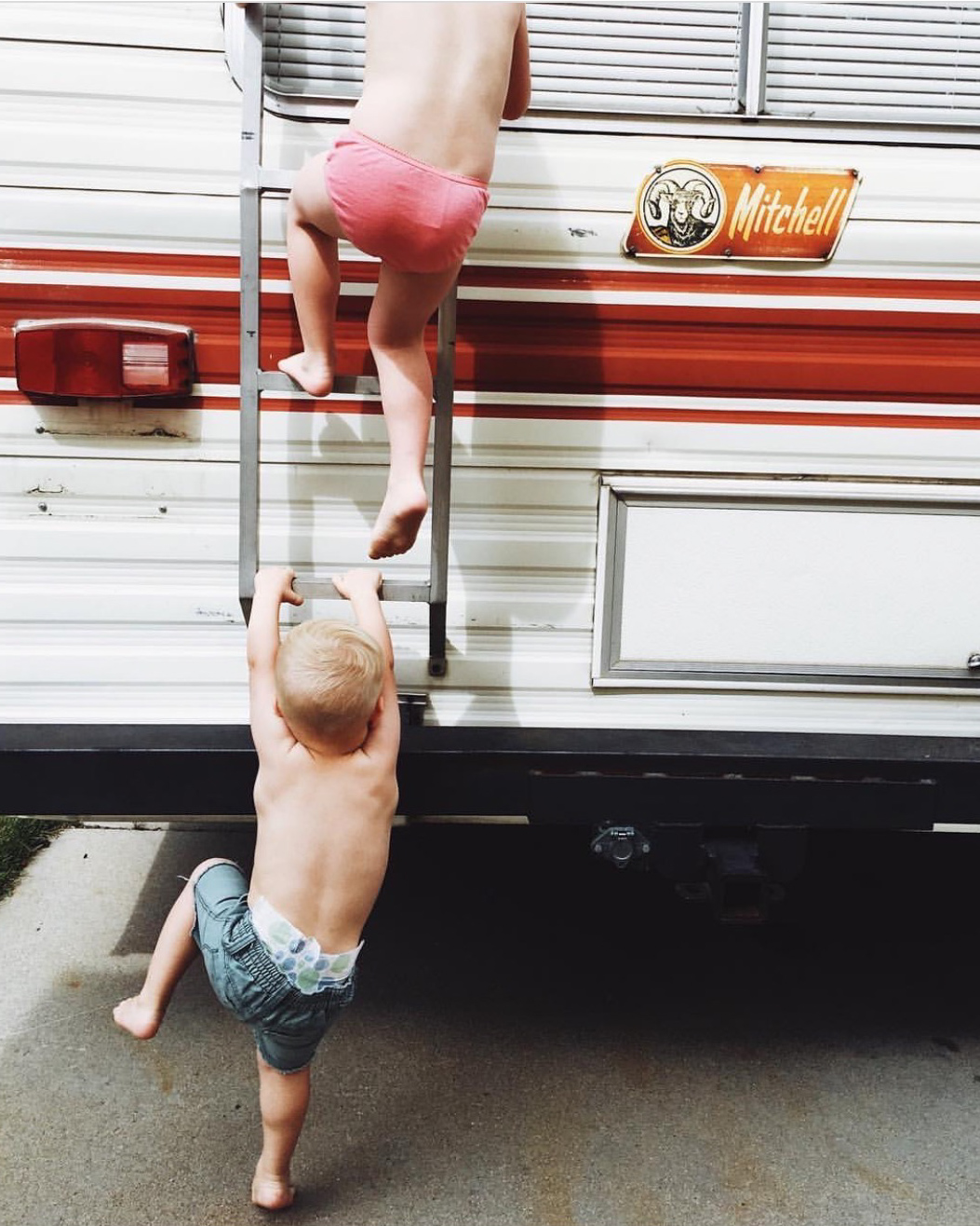 Travel with kids in a Motorhome_-2.jpg