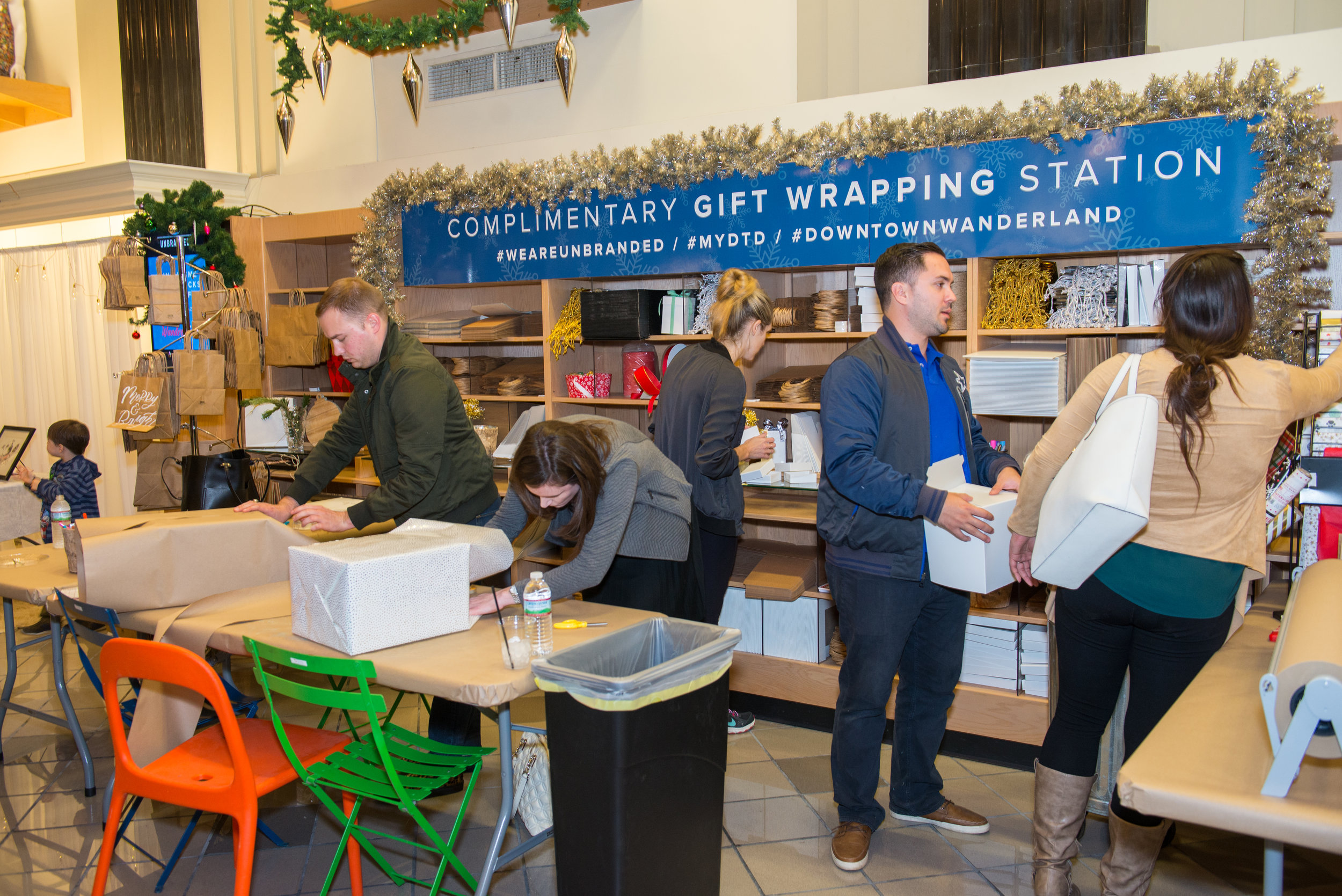 Gift-Wrapping & Other Fun - A complimentary gift-wrapping station is provided for all you Santas, and super-fast internet is provided by AT&T so you can surf in peace!