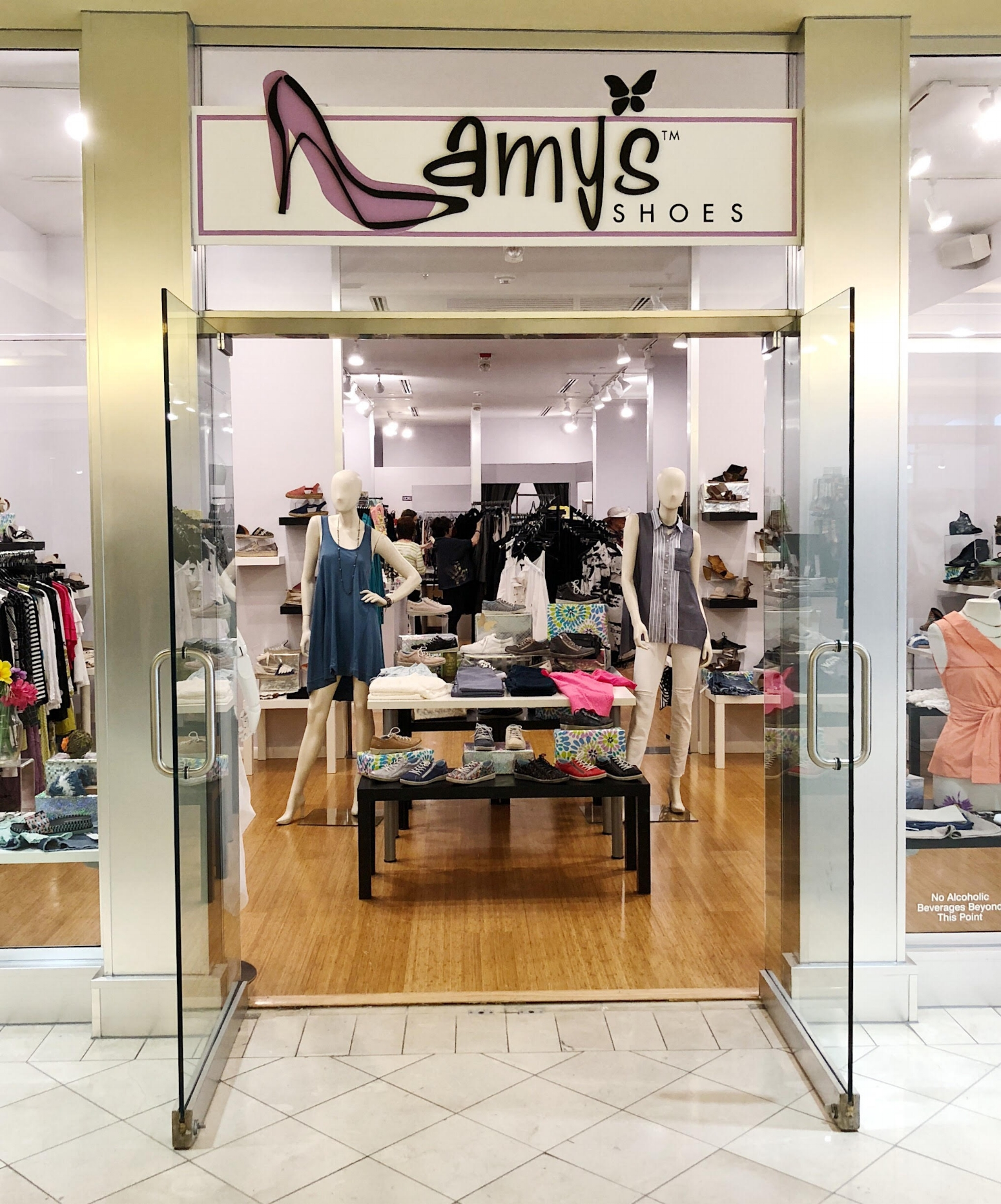 Amy's Shoes & Apparel - Amy's Shoes & Apparel has 2 locations in Cleveland - Rocky River and Eaton Chagrin Boulevard. This boutique carries an amazing assortment of brands that you wouldn't typically find in a departments store or chain store. It is a one-stop-shop with styles that work well for ages 20 and beyond. What sets this boutique apart is the amazing customer service you receive from every store associate the minute you walk in the door! They are ready to help and ensure you look and feel your best! If you are not in the Cleveland area, you can shop online or they are happy to ship any item that you see on their Instagram and Facebook pages.