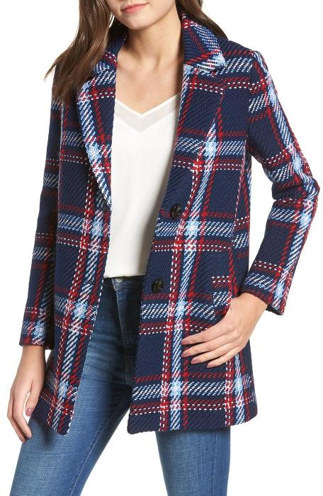 Plaid (All the way) - Plaid is my most favorite trend this Fall (every Fall!). A plaid statement coat is all you need to rock this trend. Click photo to see more!