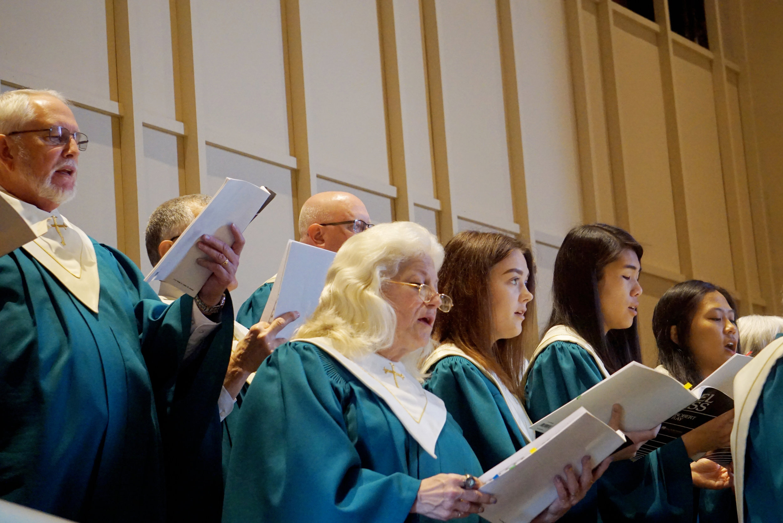 claremont-presbyterian-church-easter-choir-7.jpg