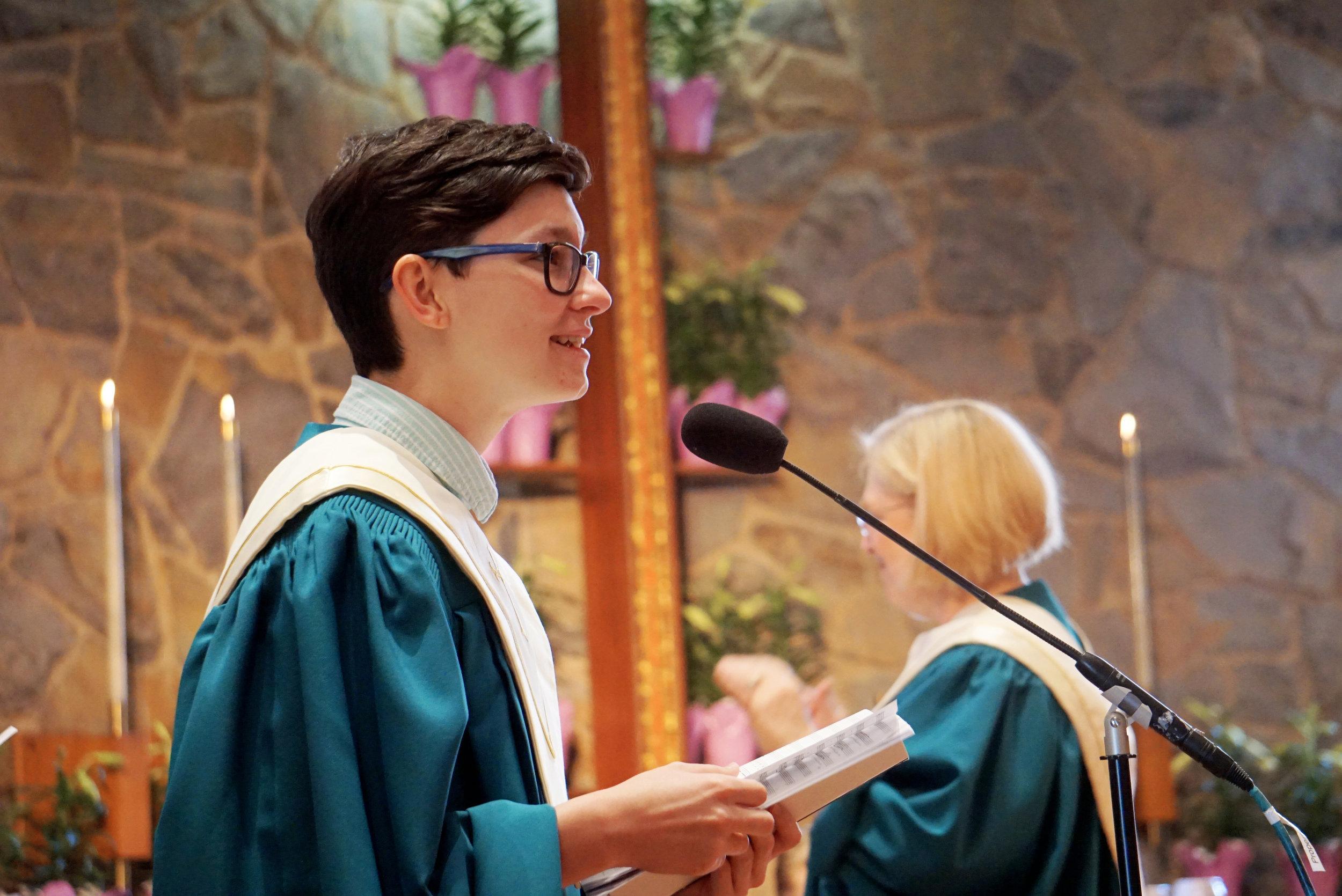 03 claremont-presbyterian-church-easter-choir-soloist.jpg