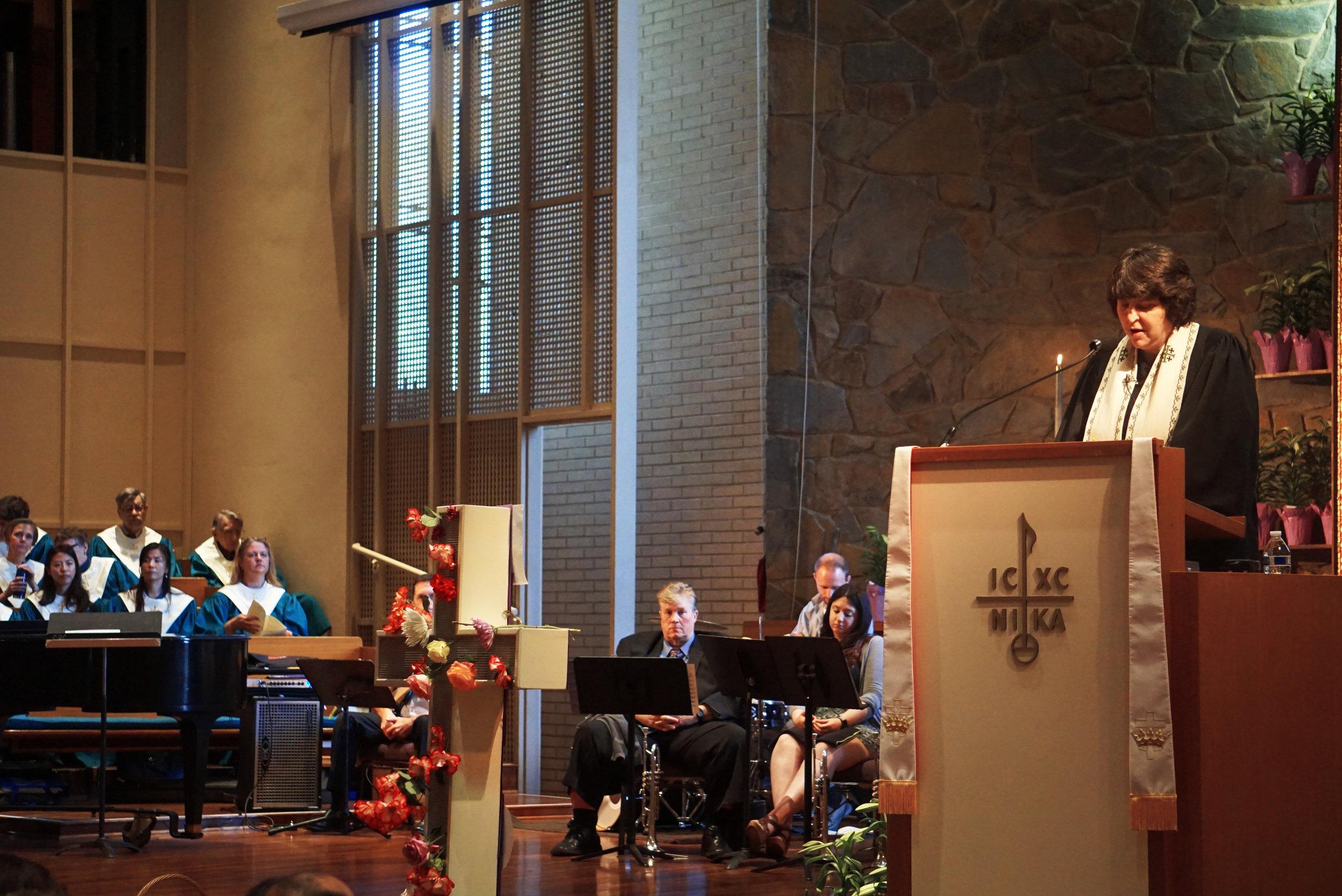 claremont-presbyterian-church-easter-karen-sapio-2.jpg