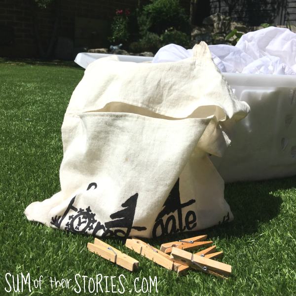 turn a shopping bag into a peg bag in 20 minutes