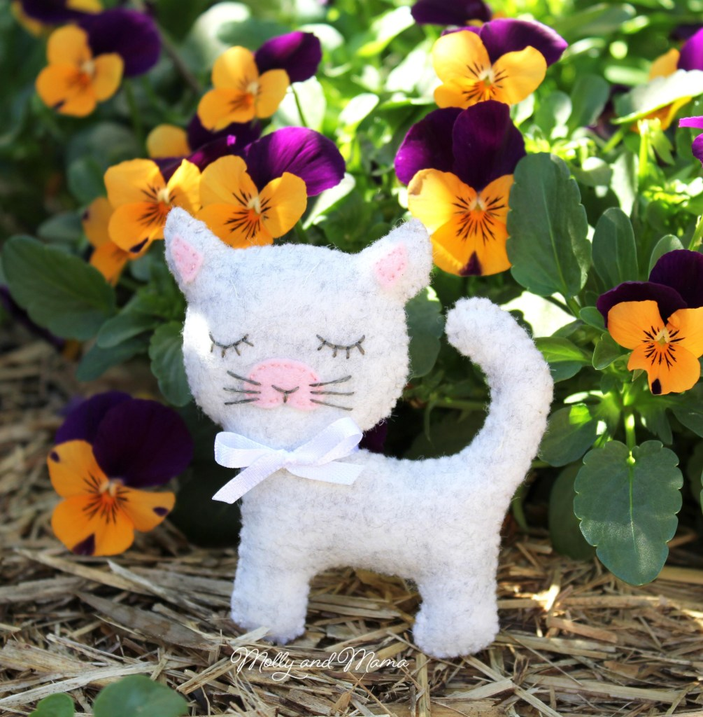 Cinnamon-Kitty-Cat-tutorial-by-Molly-and-Mama.jpg