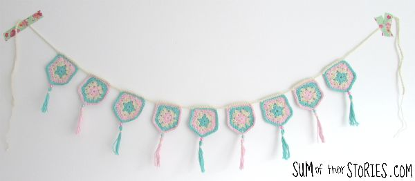 how to make pretty pentagon crochet bunting