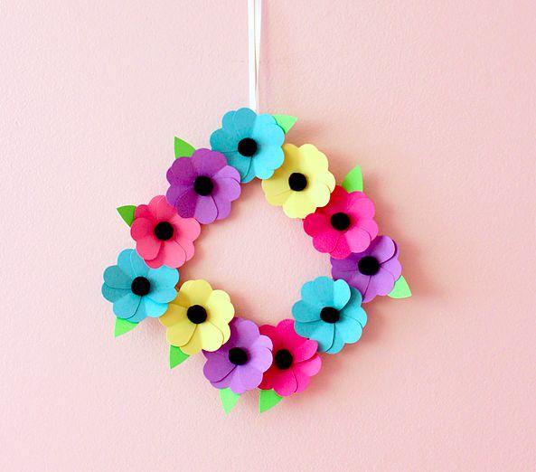 paper wreath.jpg