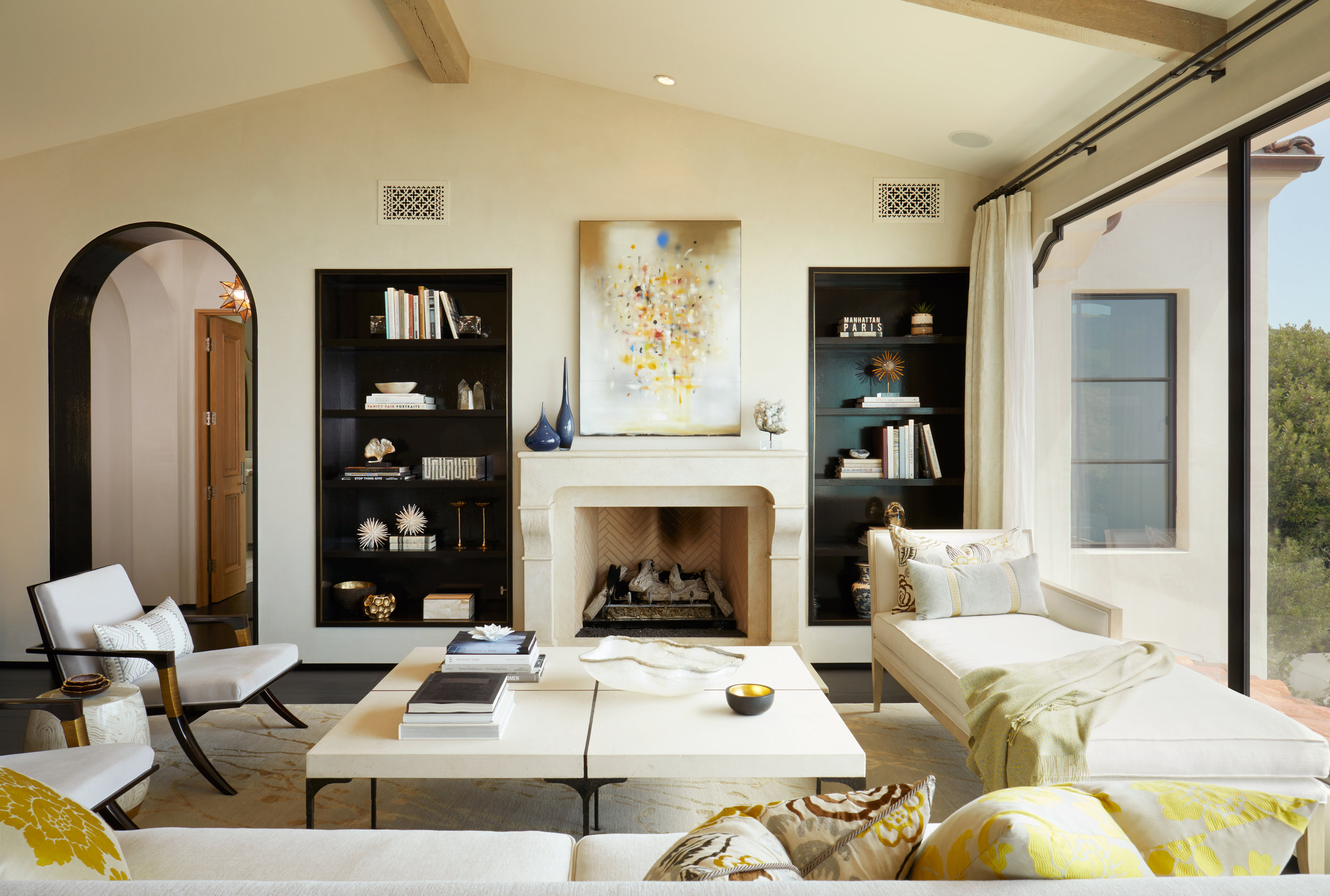 LAGUNA BEACH - SPANISH REVIVAL GREAT ROOM BY OATMAN ARCHITECTS