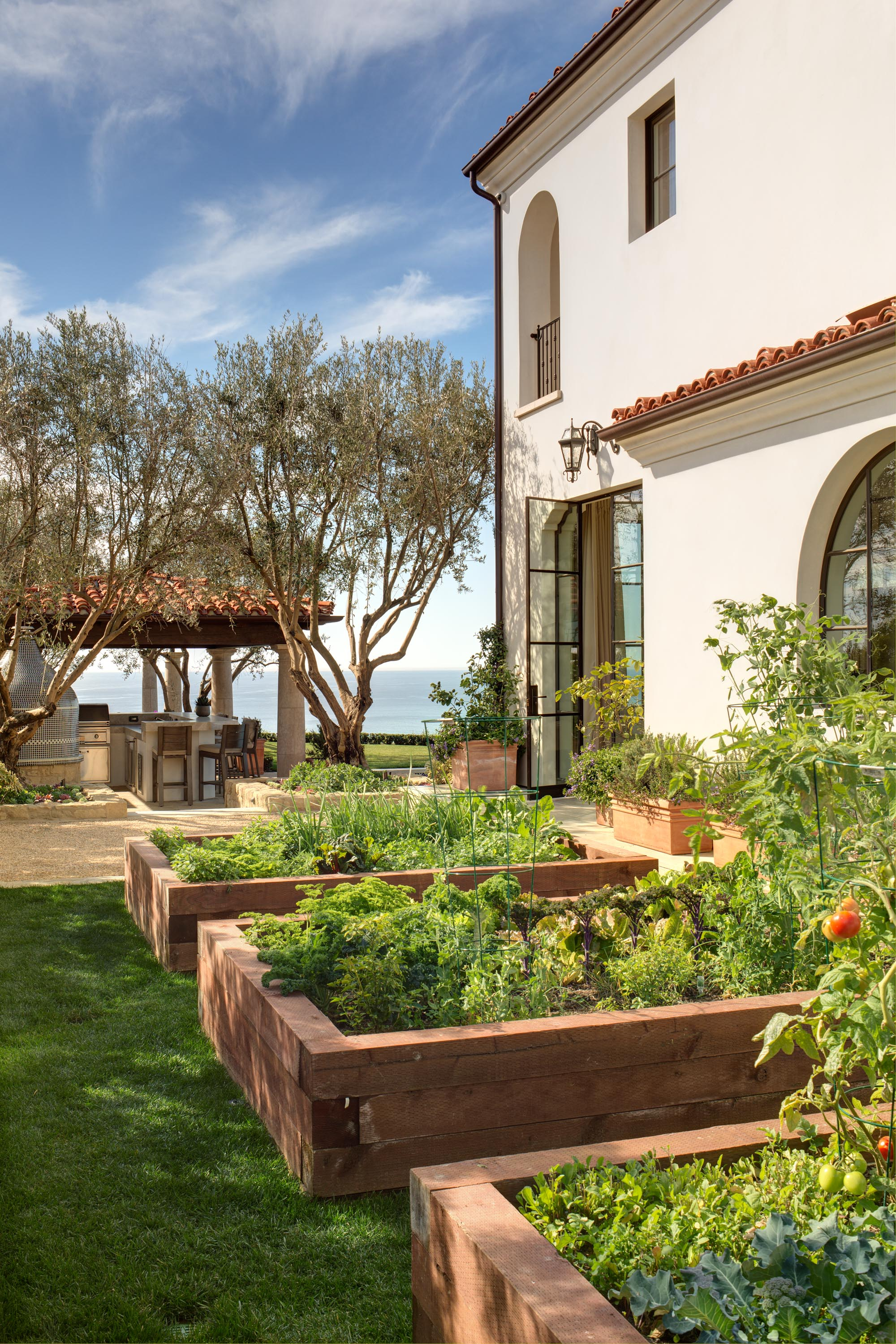 Newport Coast Santa Barbara Style Garden by Oatman Architects