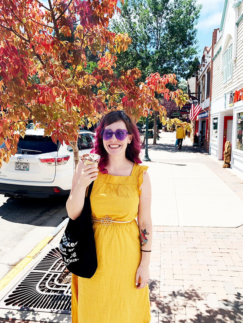hill_yellowdress_leaves.png