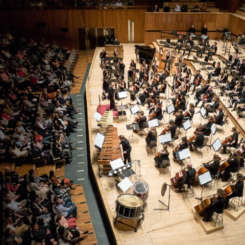 All+eyes+on+Colin+Currie+as+he+performs+the+world+premiere+of+Mark-Anthony+Turnage's+percussion+concerto+Martland+Memorial+with+the+Britten–Pear.jpg