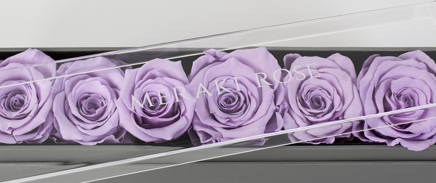 Fully Transparent Top - Our fully transparent top allows your loved one to see each individual rose without having to take the lid off. We take pride in our products and we know you would love to show off the vibrant roses that sit inside your box. With our transparent lid, you can display your gift anywhere, protected and free from dust.