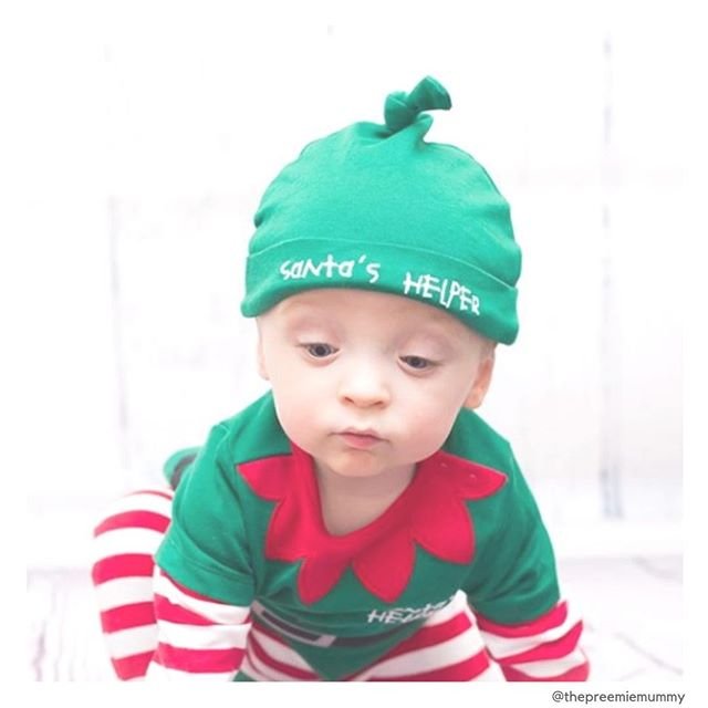 May your Christmas day be filled with family, laughter, cuteness and loads of preemie joy!  How cute is Santa's preemie helper? I just can't quit sharing pix from the incredible @thepreemiemummy feed! You gotta check it out.... . . . . . #merrychristmas #preemiesatchristmas #nicuchristmas #christmasinthenicu #santashelper #preemie #preemies #nicu #micropreemie
