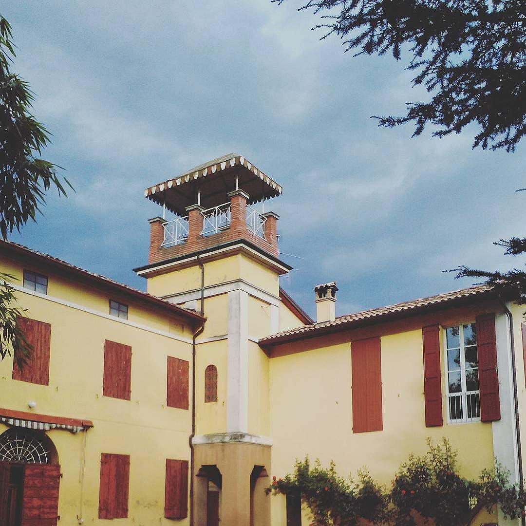 Guarini-Matteucci-vini-wine-Castelfalcino-torrettta-villa-liberty.jpg