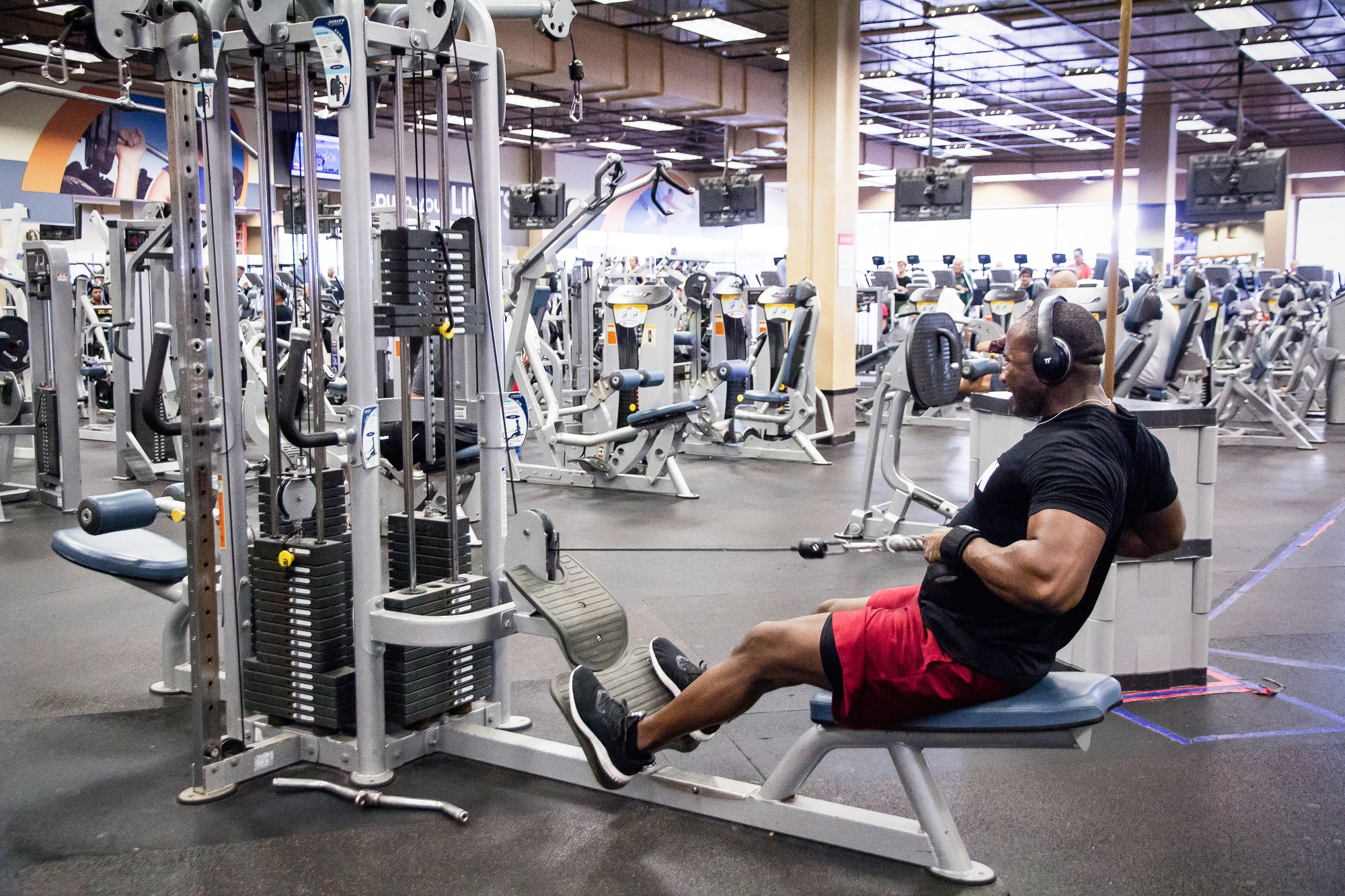 Personal Training - Change-iz Fitness One on One personal training is one of a kind. Our training allows you to accomplish your goals in ways you can't with other training programs.