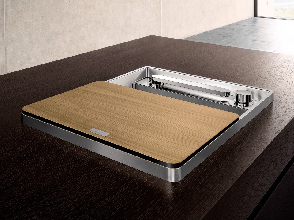oh, blanco. you're incredible! the sleekest stainless sink with retractable, telescoping faucet and remote valve.