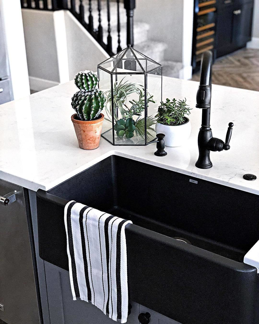 newport brass traditional single hole pulldown kitchen faucet with side lever in oil rubbed bronze - the ultimate guide to luxury plumbing by the delight of design