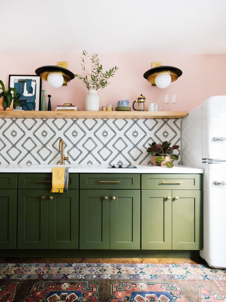 colorful kitchen with emerald green shaker kitchen cabinets