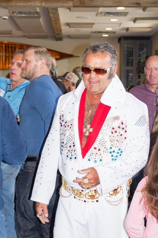 IMG_4883 Elvis.jpg