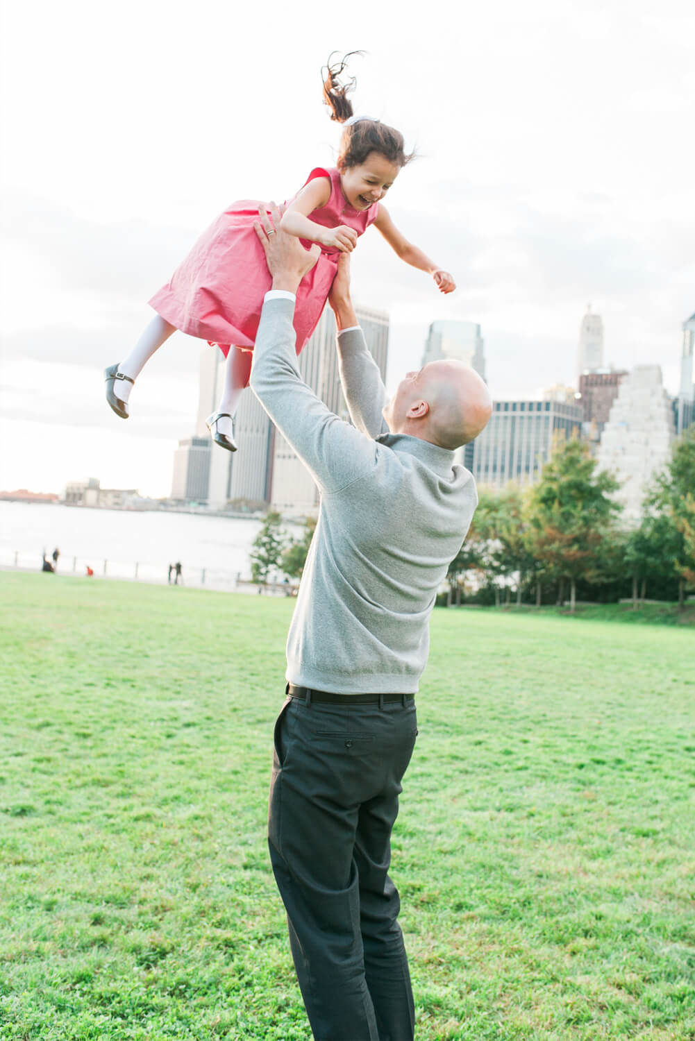 Brooklyn Bridge Park best location for Lifestyle Family Session in NYC.  View Newborn and Family Gallery by Lindsey Victoria Photography based in Litchfield County, CT.