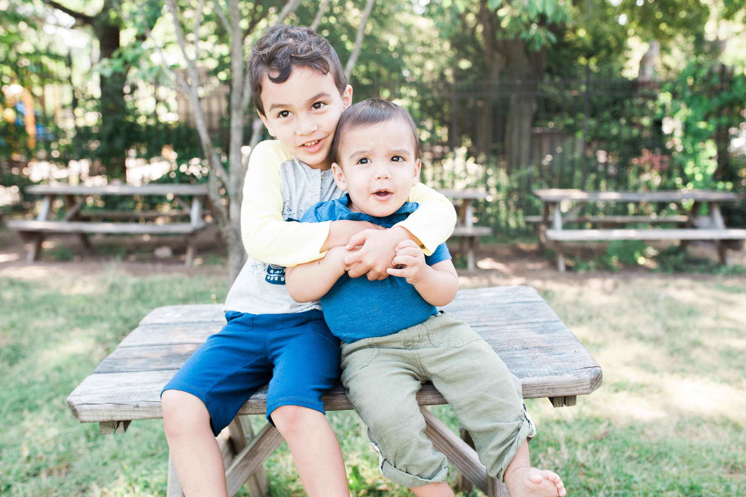 Brooklyn NY lifestyle family photography siblings brothers in Cobble Hill neighborhood by Lindsey Victoria Photography