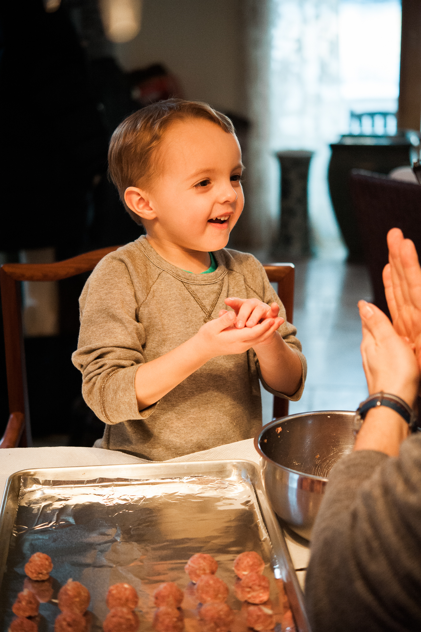 Lindsey Victoria Photography holiday traditions meatballs Italian Christmas Eve family lifestyle photographer Litchfield County, CT Brooklyn New York City cooking with kids