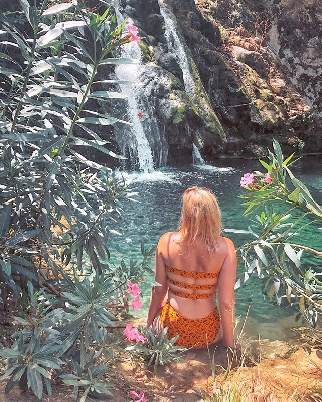 Something about sipping on skies and tripping waterfalls 💭 .❁. .❁. .❁. .❁. #throughblueeyes #greece #kithira #kithiraisland #balancedliving #london #bloggerlife #femaleblogger #blogging #londonblogger #mindbodysoul #liveinspired #healthyhappylife #londonlover #uk #londoncity #prettylittlelondon #lovelondon #londoner #londoncalling #mentalhealthblogger #travel #tourism #postcardsfromtheworld #wanderer #travelphoto #travels #travelphotography #aroundtheworld