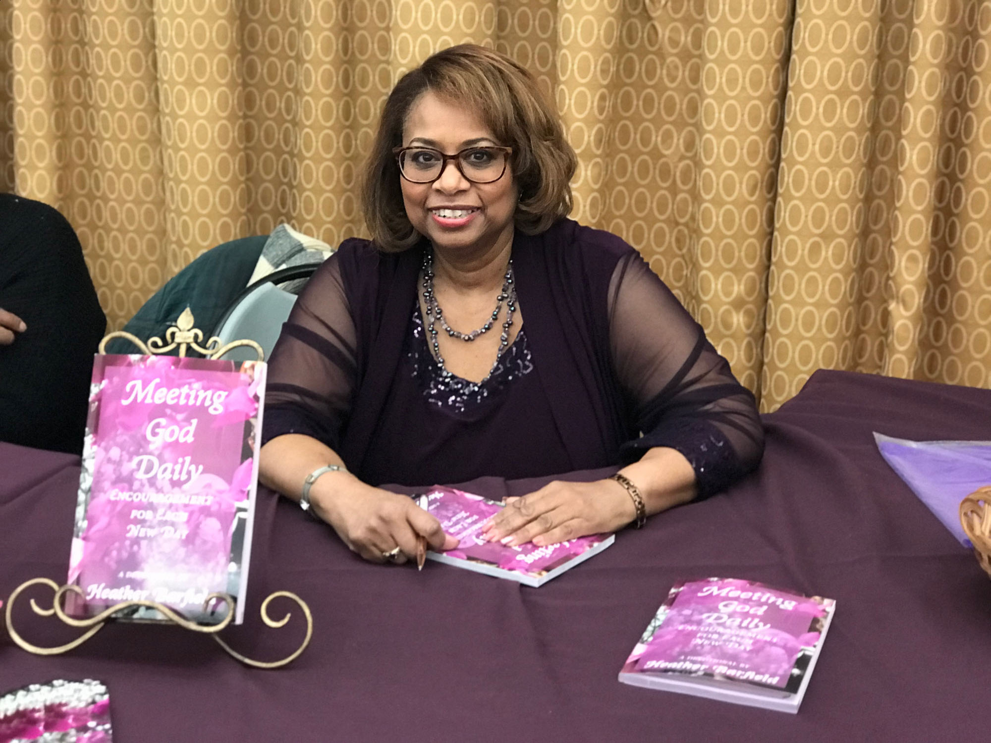 heather-barfield-devotional-book-signing (1 of 1).jpg