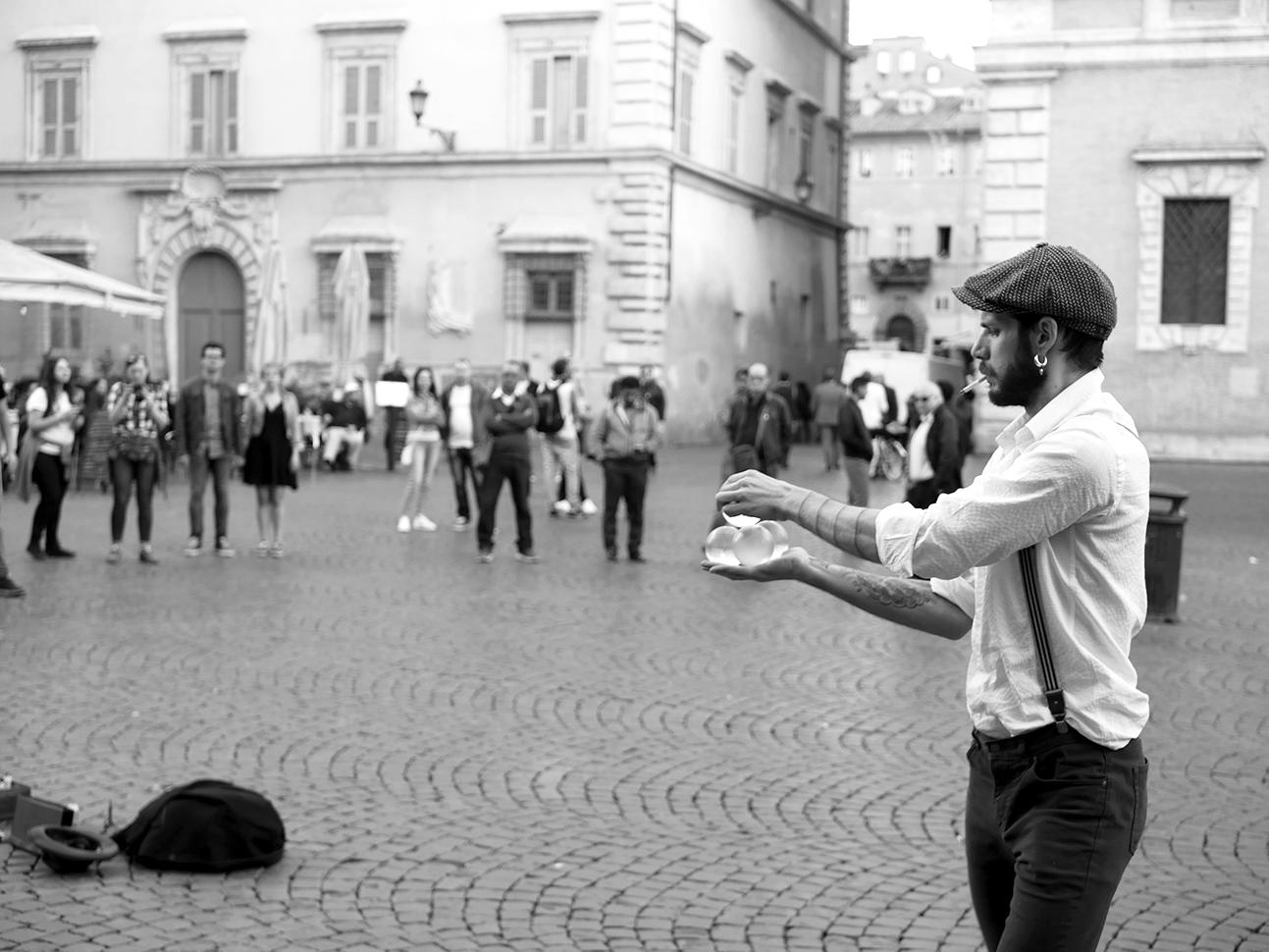Street performers Trastevere II