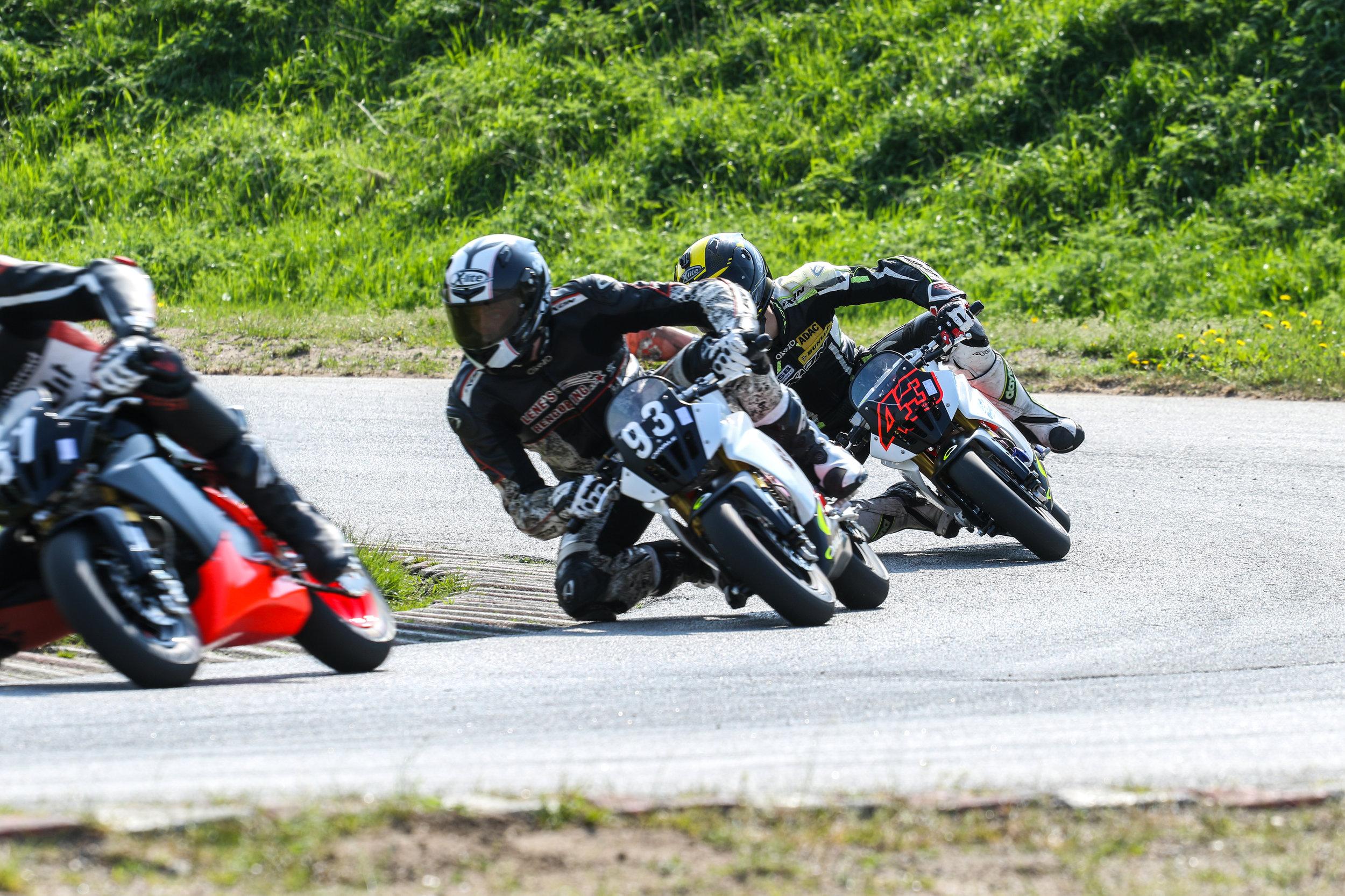Anders Tirsgaard, Mathias Poulsen og Simon Jespersen er alle kørere med internationalt format, og er bl.a. aktive i toppen af Dansk Superbike samt Moto3 Junior VM.
