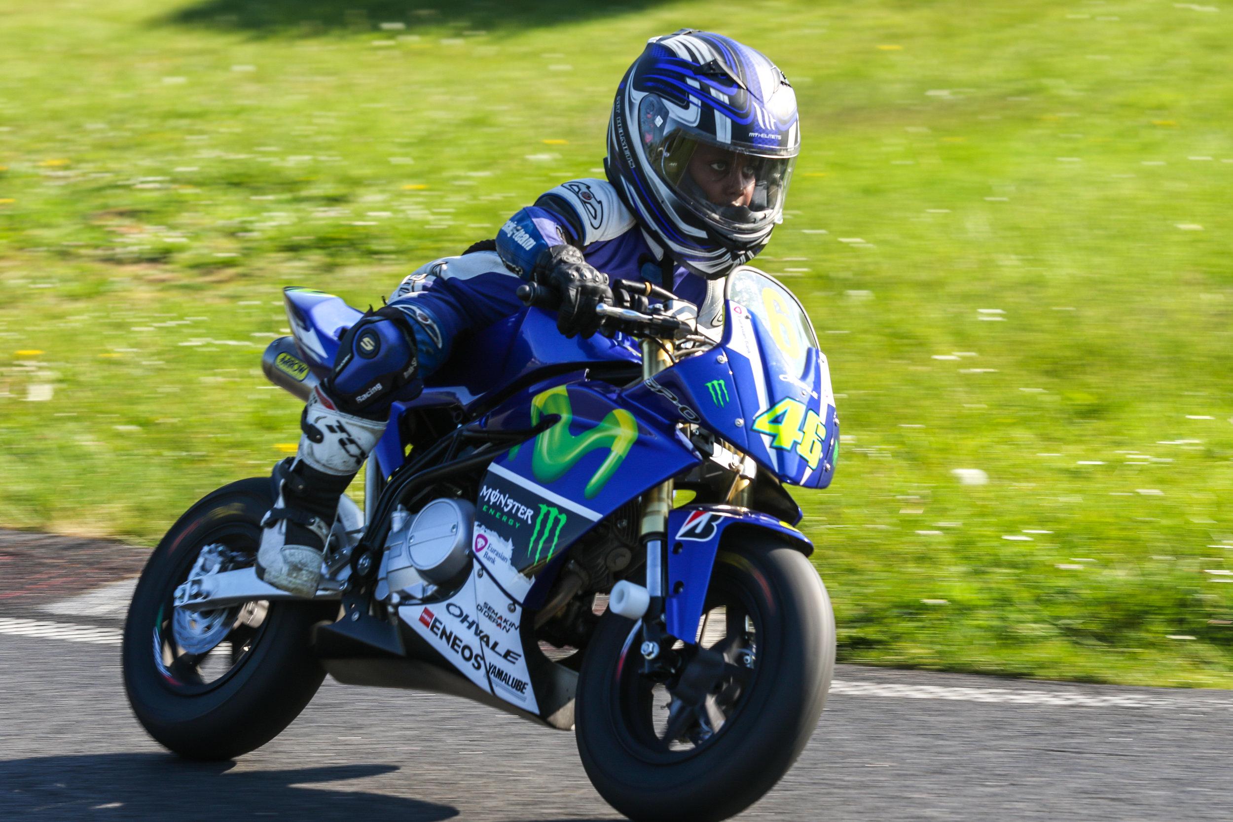 En af de yngste Ohvale kørere i Danmark er blot 6 år gammel, og øver sig til træninger indtil han bliver gammel nok til at deltage ved DM.