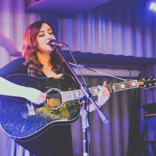 Laura Benjamin - Singer songwriter