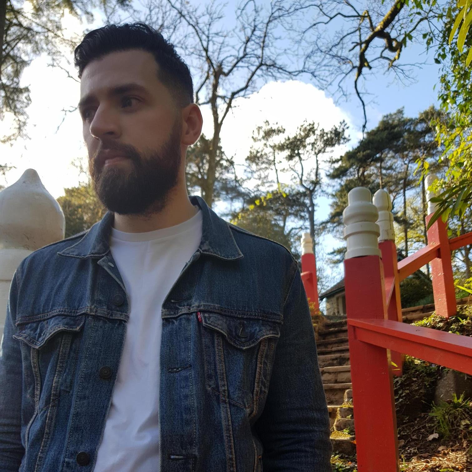 Chris Noir - Indie / alt / singer songwriter