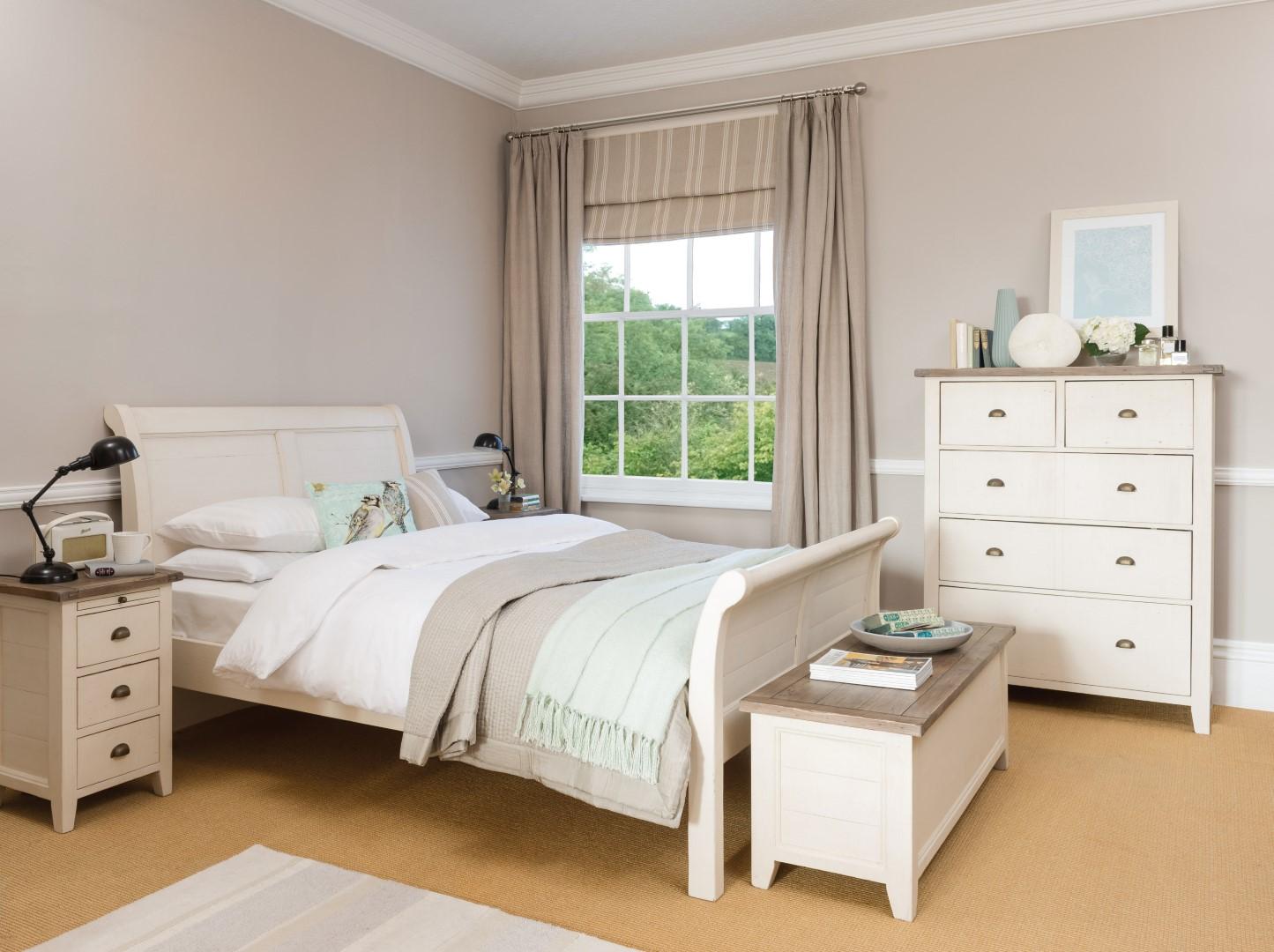 Cotswood Bedroom (1) (Large).jpg