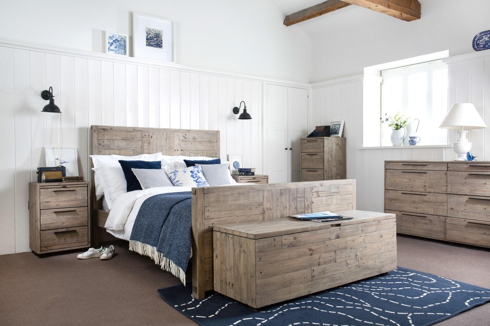 Calais Bedroom (1) (Large).jpg