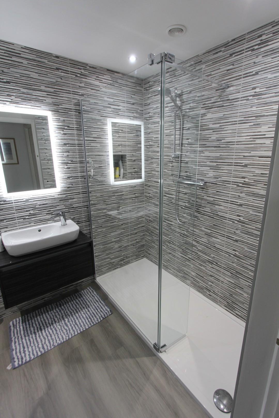 Roderick Bathroom (1).jpeg