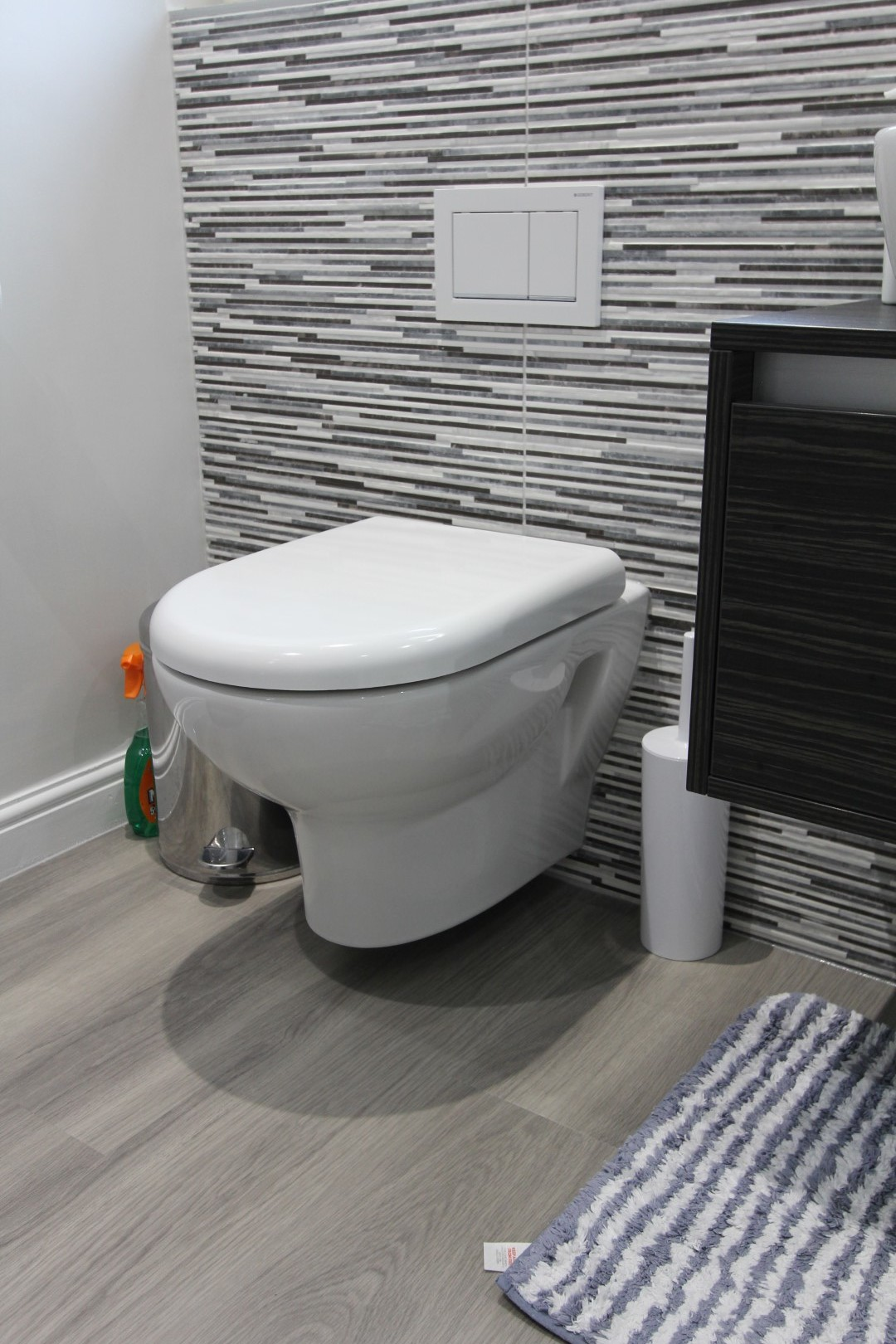 Roderick Bathroom (10).jpeg