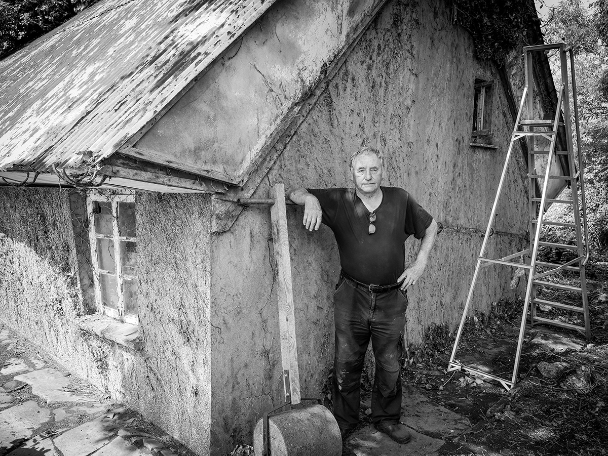cob house john small.jpg